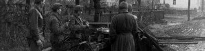 Bundesarchiv_Bild_146-1986-064-15,_Ungarn,_Straßenkämpfe,_ungarische_Pak